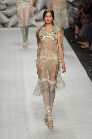 Показы мод Antonio Marras Весна-лето 2010 | Подиум на ELLE - Подиум - фото 3000