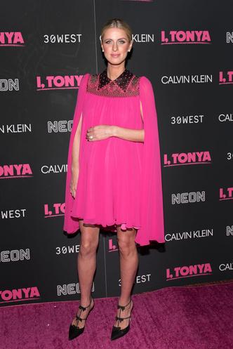 Беременная Ники Хилтон в розовом мини-платье на премьере в Нью-Йорке (фото 3)