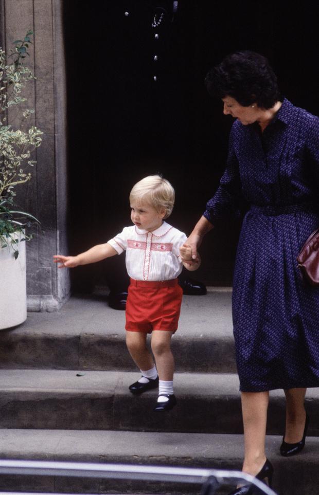 История одного дня: принцесса Диана и новорожденный Гарри (фото 3)