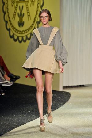 Показ Ulyana Sergeenko коллекции сезона Весна-лето 2013 года Haute couture - www.elle.ru - Подиум - фото 479059