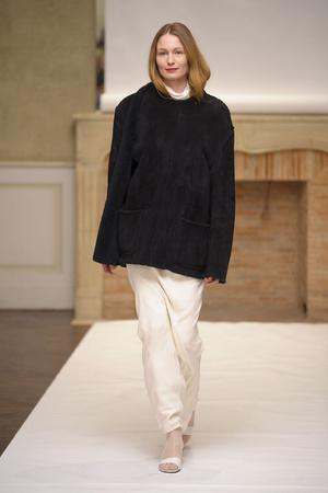 Показ Adeline Andre коллекции сезона Весна-лето 2011 года Haute couture - www.elle.ru - Подиум - фото 216072