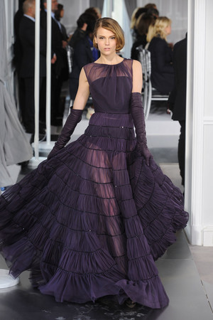 Показ Christian Dior коллекции сезона Весна-лето 2012 года Haute couture - www.elle.ru - Подиум - фото 330491
