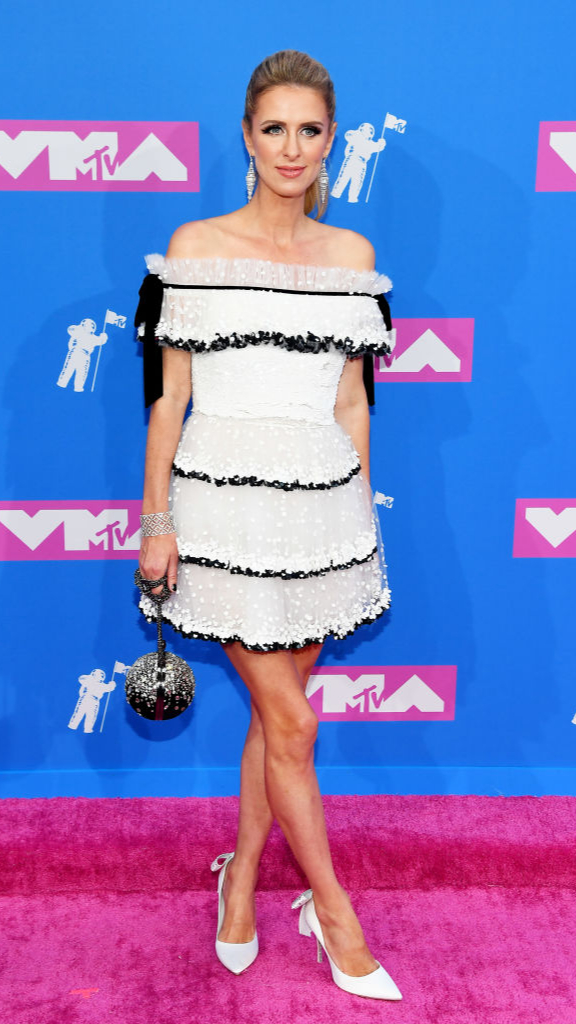 Total-white: знаменитости в белых нарядах на VMA (фото 3)