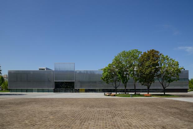Uniqlo объявил о сотрудничестве с Музеем современного искусства «Гараж»