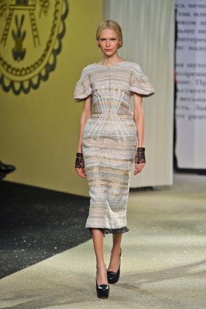 Показ Ulyana Sergeenko коллекции сезона Весна-лето 2013 года Haute couture - www.elle.ru - Подиум - фото 479057