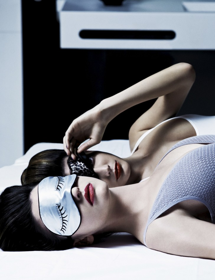 В постели с другом: ночные маски