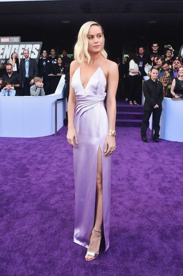 Лавандовая мечта: шелковое платье Celine Бри Ларсон (фото 2)