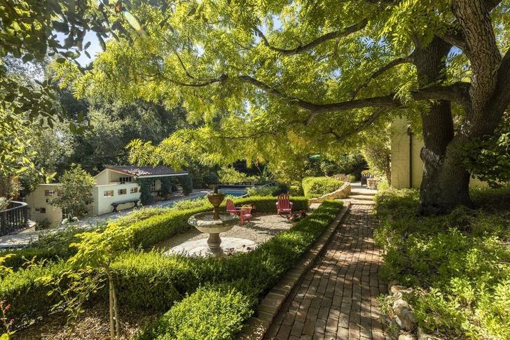 Бывший дом Кэтрин Хэпберн в Голливуде выставлен на продажу (фото 4)