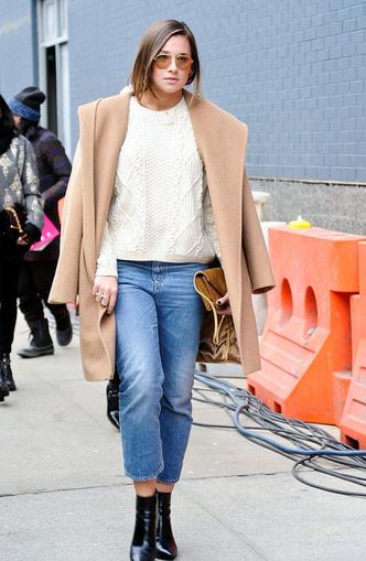 Back to 90s: 5 способов носить mom-джинсы (фото 17)