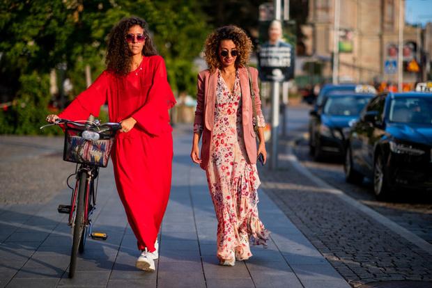 В платье на велосипеде: шведки задают тренд (фото 2)