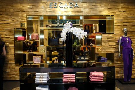 Коктейль из моды и искусства: Escada представила капсульную коллекцию | галерея [1] фото [2]