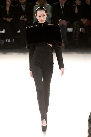 Показы мод Mugler Осень-зима 2012-2013 | Подиум на ELLE - Подиум - фото 1456