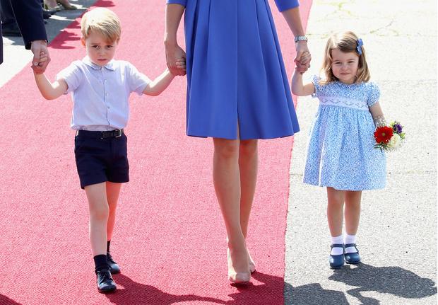 Что наденут дети Кейт Миддлтон и принца Уильяма на свадьбу Меган Маркл и Гарри? (фото 1)