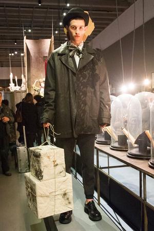 Показ Antonio Marras коллекции сезона Осень-зима 2017-2018 года Men prêt-à-porter - www.elle.ru - Подиум - фото 614841