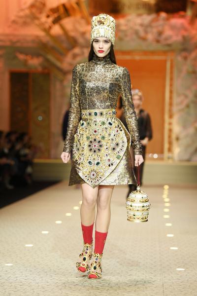 Вперед в будущее: в Милане прошел показ Dolce & Gabbana (галерея 3, фото 46)