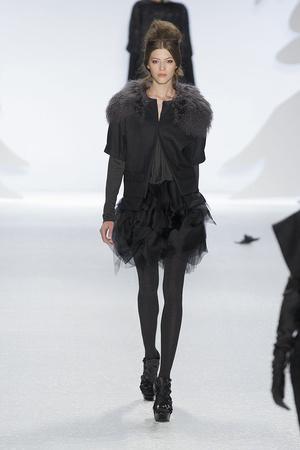 Показ Vera Wang коллекции сезона Осень-зима 2010-2011 года prêt-à-porter - www.elle.ru - Подиум - фото 145695