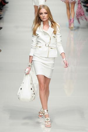 Показы мод Blumarine Весна-лето 2011 | Подиум на ELLE - Подиум - фото 2545