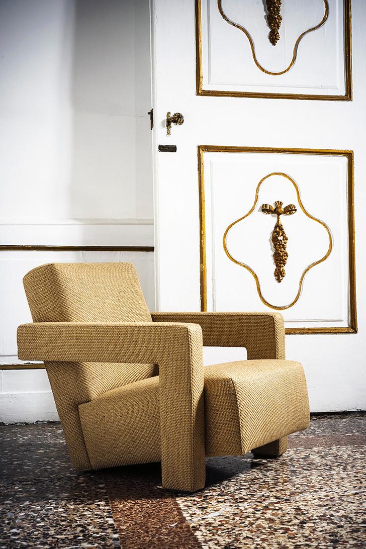 Кресло в обивке из ткани Lutetia для улицы, джут с вплетением металлической нити.