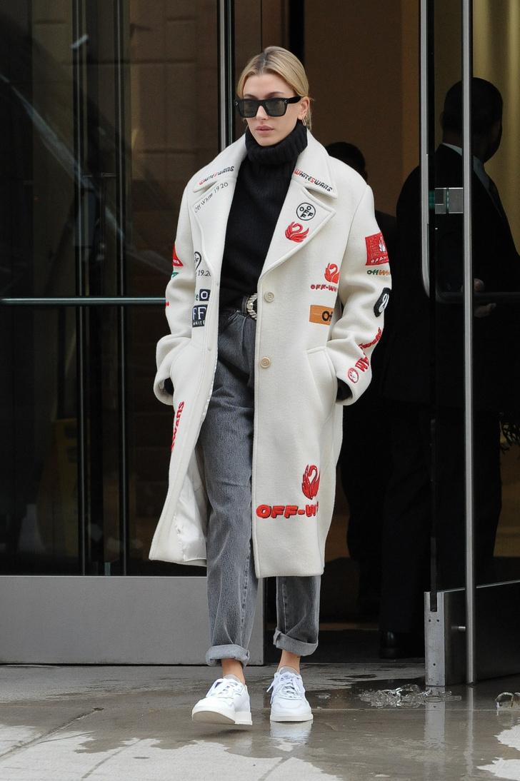 Как с помощью одного пиджака кардинально изменить образ? Пример Хейли Болдуин (фото 5)