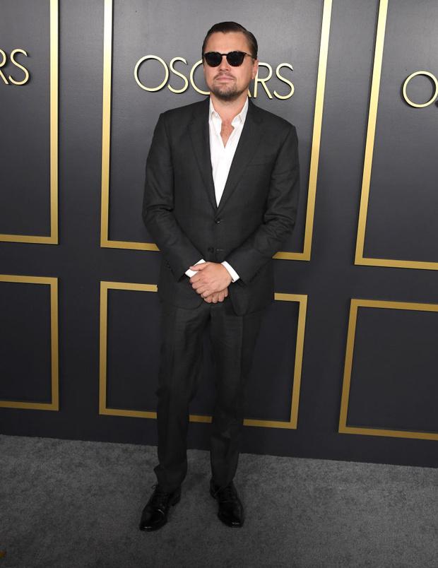 От Леонардо Ди Каприо до Хоакина Феникса: уроки мужского стиля главных номинантов на «Оскар» (фото 11)