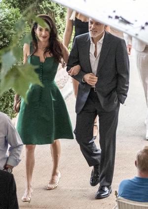 Джордж и Амаль Клуни на романтическом ужине на берегу озера Комо (фото 0.1)