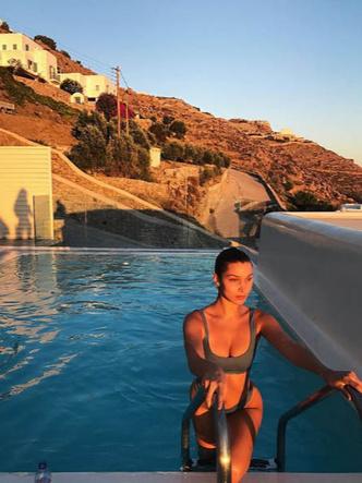 Где найти купальники как у моделей? (фото 7.1)