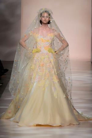 Показ Georges Chakra коллекции сезона Весна-лето 2015 года Haute couture - www.elle.ru - Подиум - фото 593388