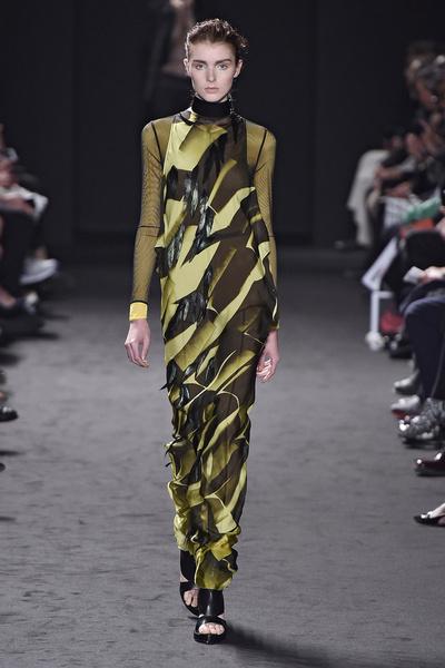 Неделя моды в Париже: день третий | галерея [2] фото [9]
