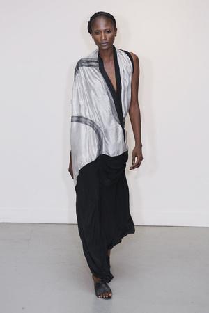 Показ Atelier Gustavo Lins коллекции сезона Осень-зима 2010-2011 года Haute couture - www.elle.ru - Подиум - фото 167269