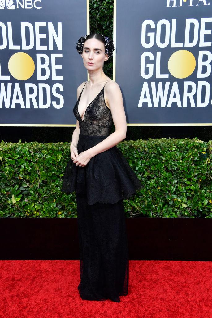 Невеста Джокера: Руни Мара в прозрачном кружеве Givenchy (фото 1)