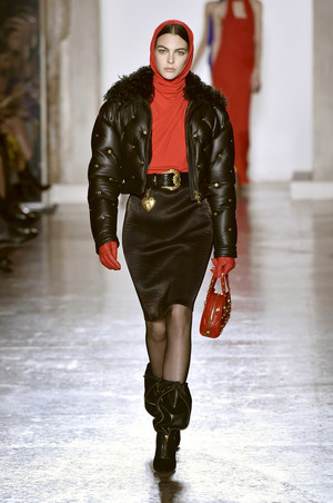 Versace отказались от использования натурального меха (фото 1.2)
