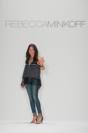 Показ Rebecca Minkoff коллекции сезона Весна-лето 2013 года Prêt-à-porter - www.elle.ru - Подиум - фото 411019