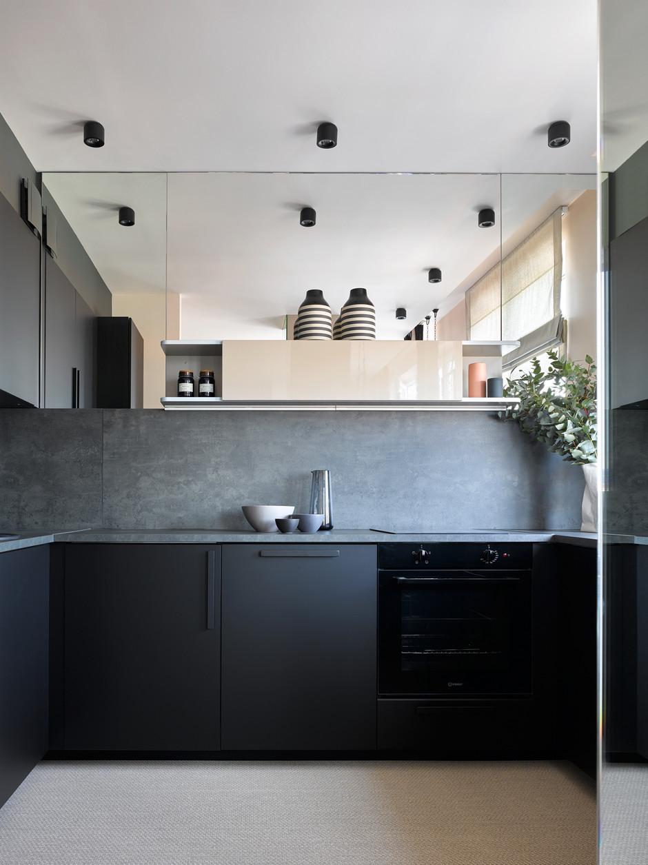 40 проектов кухонь в маленьких квартирах (галерея 0, фото 0)