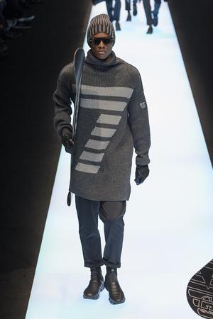 Показ Emporio Armani коллекции сезона Осень-зима 2017-2018 года Men prêt-à-porter - www.elle.ru - Подиум - фото 614798