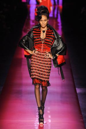 Показы мод Jean Paul Gaultier Весна-лето 2012 | Подиум на ELLE - Подиум - фото 1754