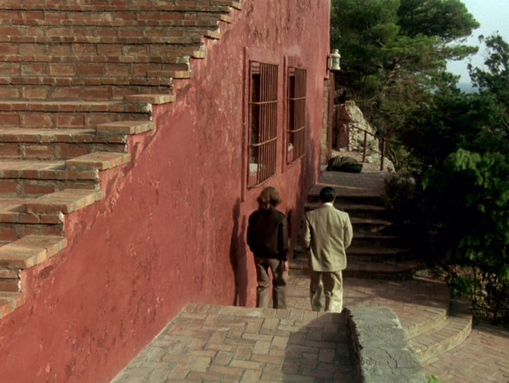 Дом-легенда Casa Malapartе в кино и клипах (фото 21)