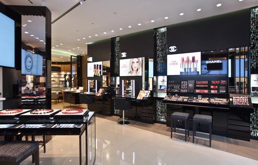 3fb06f8daabc Первый в Европе Beauty Boutique Chanel   Практика на www.elle.ru