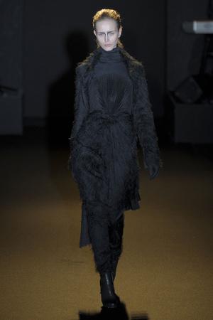 Показ A.F. Vandevorst коллекции сезона Осень-зима 2011-2012 года prêt-à-porter - www.elle.ru - Подиум - фото 249231