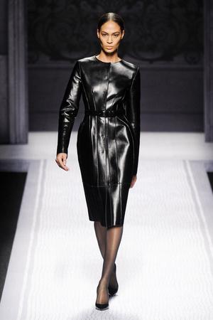Показы мод Alberta Ferretti Осень-зима 2012-2013 | Подиум на ELLE - Подиум - фото 1536