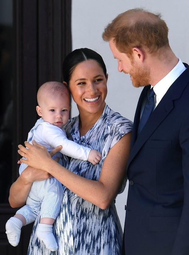 Самый милый при дворе: первый год жизни сына Меган и Гарри в 10 фотографиях (фото 21)