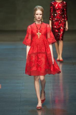 Показ Dolce & Gabbana коллекции сезона Осень-зима 2013-2014 года Prêt-à-porter - www.elle.ru - Подиум - фото 524893