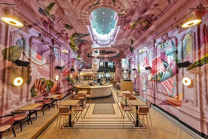 Ночной клуб с сюрреалистическими граффити в Эйндховене (фото 0)