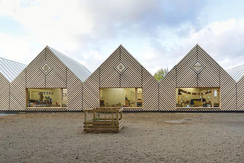 Деревянная школа на юге Франции от Tracks Architectes (галерея 7, фото 4)