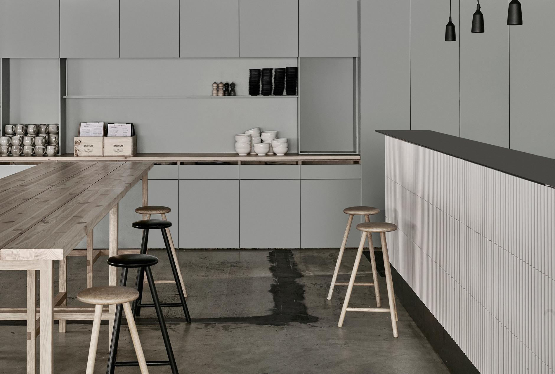 Дуб, бетон и скандинавский дизайн: сауна по проекту Studio Puisto (галерея 4, фото 3)