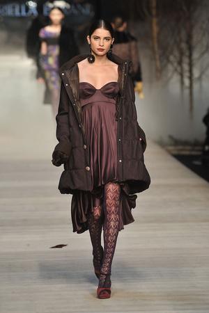 Показы мод Mariella Burani Осень-зима 2009-2010 | Подиум на ELLE - Подиум - фото 3161