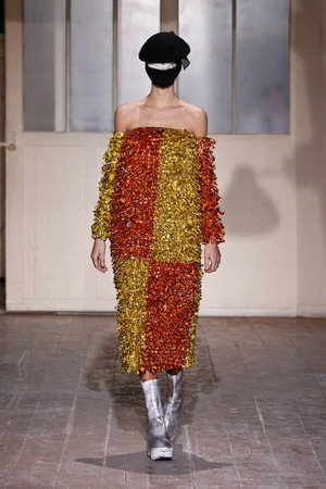 Показ Maison Martin Margiela коллекции сезона Весна-лето 2013 года Haute couture - www.elle.ru - Подиум - фото 480781