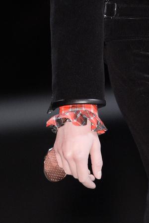 Показ Givenchy коллекции сезона Осень-зима 2013-2014 года Prêt-à-porter - www.elle.ru - Подиум - фото 547763