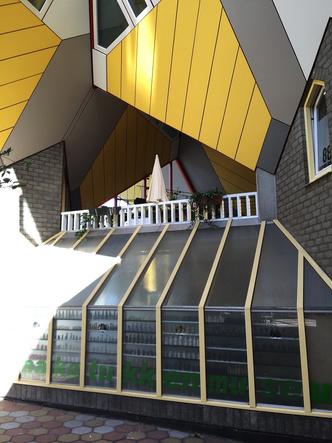 Кубические дома Пита Блома фото [5]