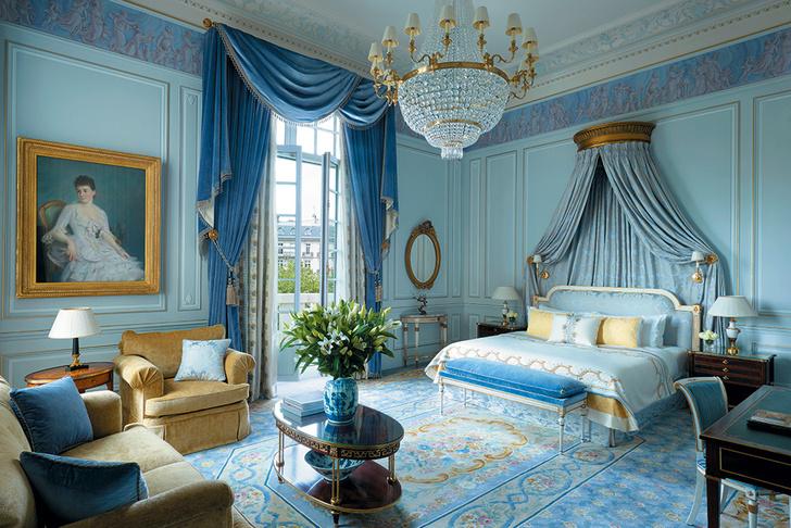 Shangri-la Hotel, Париж
