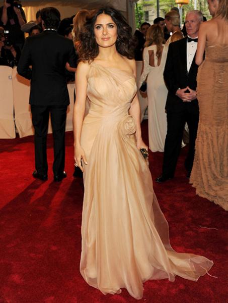 Сальма Хайек в платье Alexander McQueen